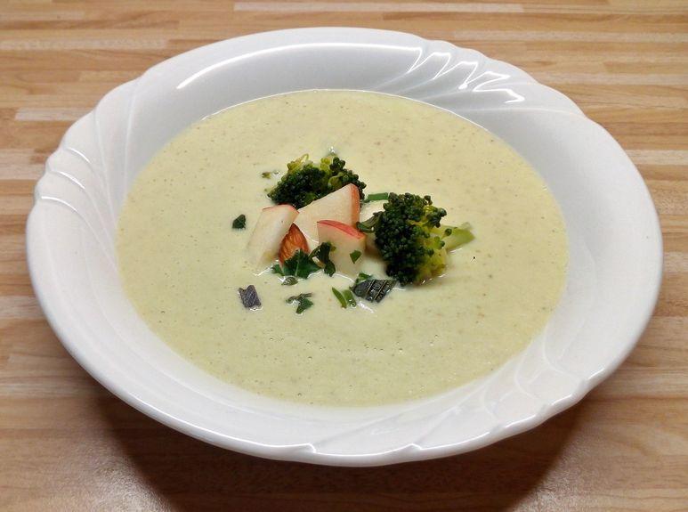 Brokkoli-Apfel-Suppe mit Maronen vegan - 221