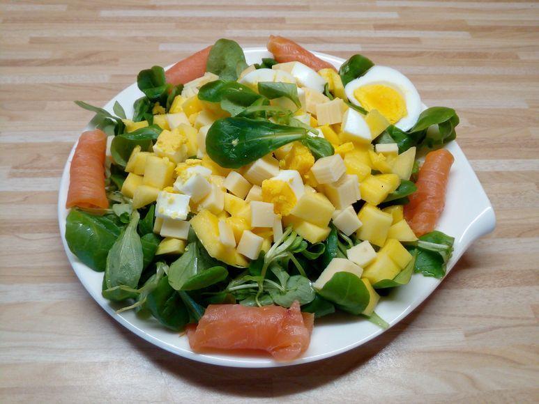 Feldsalat mit Lachs und Mango - 178