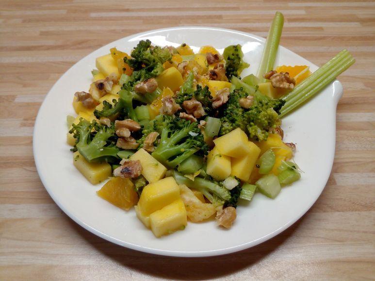 Mango-Brokkoli-Salat vegan - 194