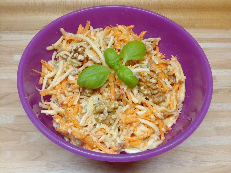 Möhren-Sellerie-Apfel-Salat mit WaSo vegan - 202