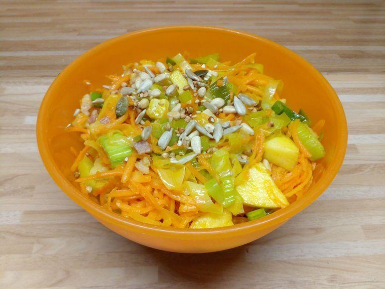 Möhren-Apfel-Salat mit gedünstetem Lauch - 197