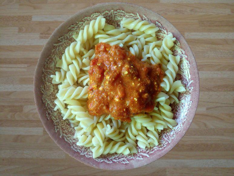 Pasta mit Tomatensoße vegetarisch - 137