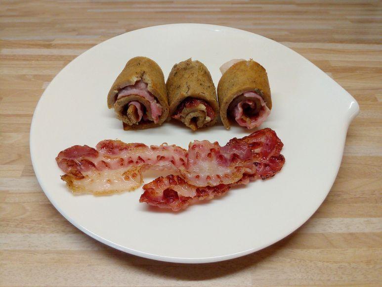 Pfannkuchenröllchen mit Bacon - 276