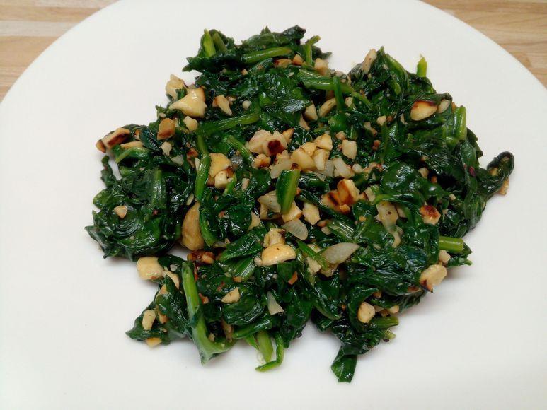 Spinat mit Cashewkernen vegan - 152